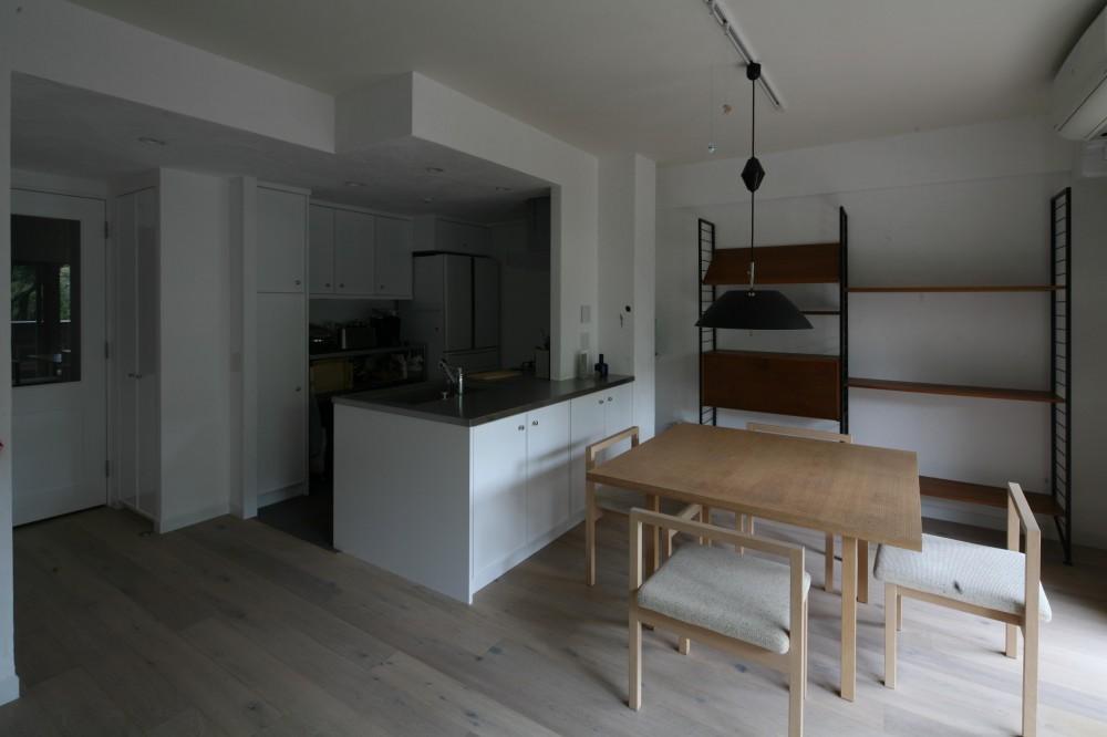 K邸 (ホワイトとナチュラルテイストのリビングキッチン)