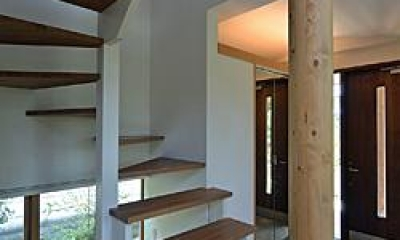 玄関と階段|川崎市S邸