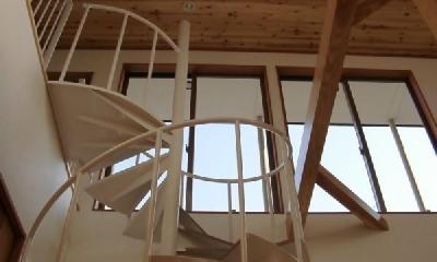 螺旋階段|ロングヒルの家