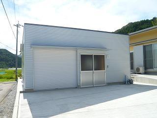 Kさんの家の写真 白いインナーガレージ