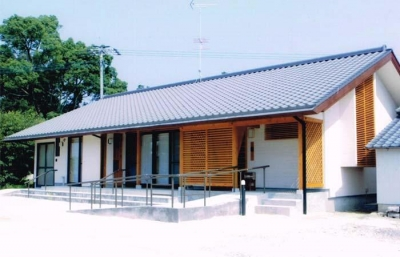佐賀の家(シンプルな大屋根の住宅) (外観)