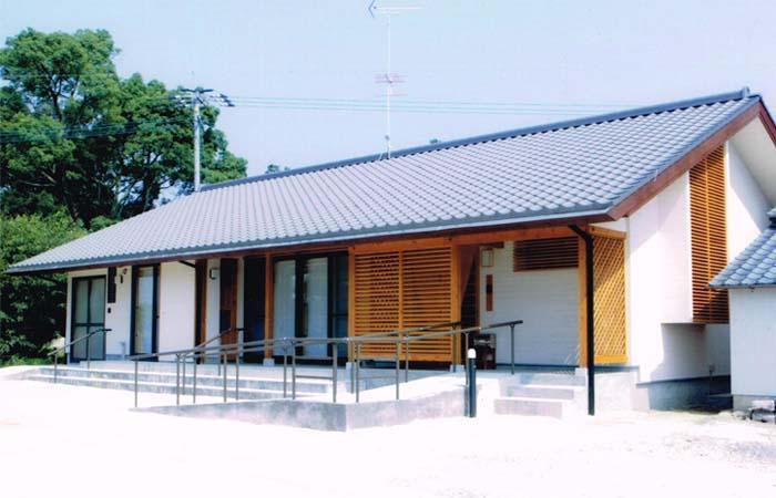 佐賀の家(シンプルな大屋根の住宅)の写真 外観