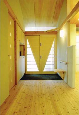 佐賀の家(シンプルな大屋根の住宅)の写真 玄関
