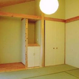 和室 (佐賀の家(シンプルな大屋根の住宅))