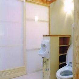 佐賀の家(シンプルな大屋根の住宅) (トイレ)
