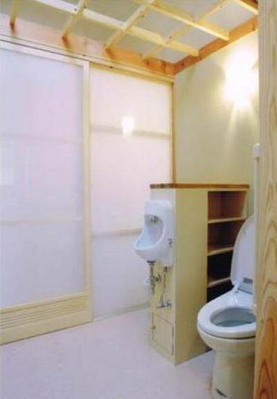 トイレ (佐賀の家(シンプルな大屋根の住宅))