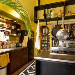 モロカンスタイルの家 (カラフルなモロカンキッチン)