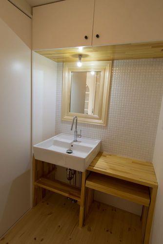 一宮市のマンションリノベ @2014の部屋 木とタイルの洗面所