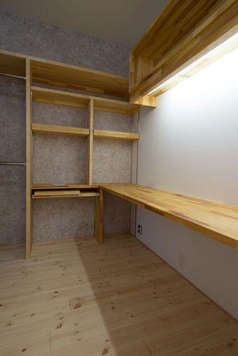 一宮市のマンションリノベ @2014の部屋 造作棚、造作デスクのある書斎
