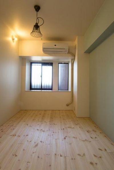 シンプルな寝室 (一宮市のマンションリノベ @2014)