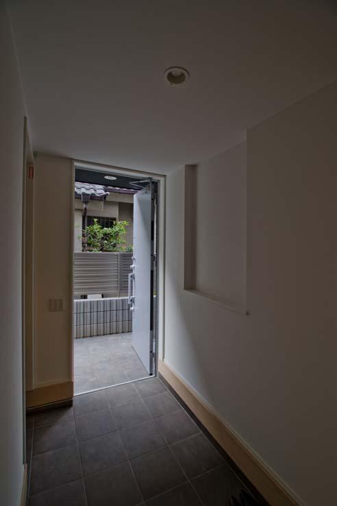世田谷の住宅3 (玄関)