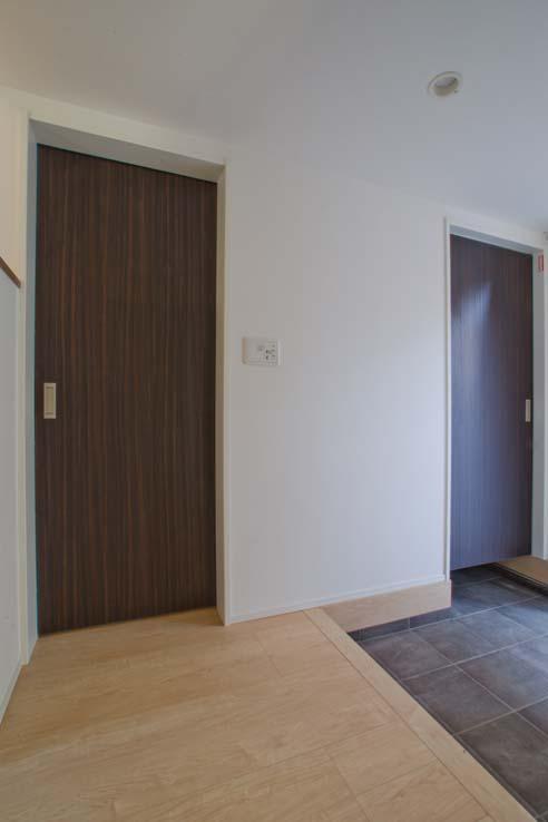 世田谷の住宅3 (閉めた状態)