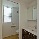 世田谷の住宅3の写真 2階洗面とトイレ