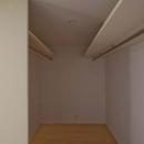 世田谷の住宅3の写真 寝室付属のウォークインクローゼット