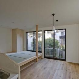 世田谷の住宅2-キッチンからリビングを見る