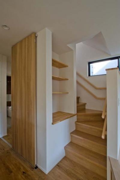 オープンなリビング階段 (世田谷の住宅2)