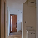 世田谷の住宅2の写真 玄関近くに設置した手洗いコーナー