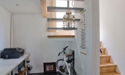 世田谷の住宅 (ワークスペースから階段を見る)