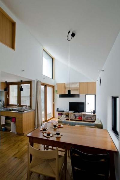 世田谷の住宅 (天井の高い2階リビング)