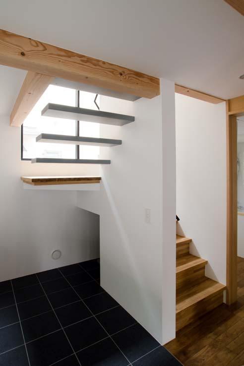 世田谷の住宅の部屋 片持ち階段