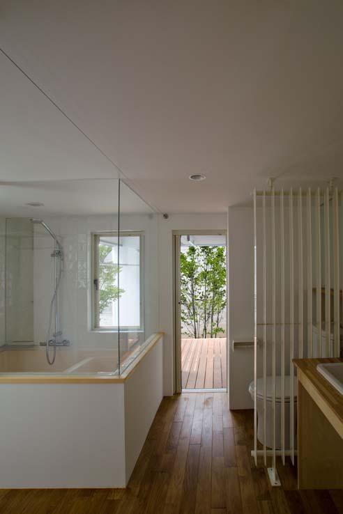 世田谷の住宅の部屋 浴室部分はカーテンで隠すことも可能