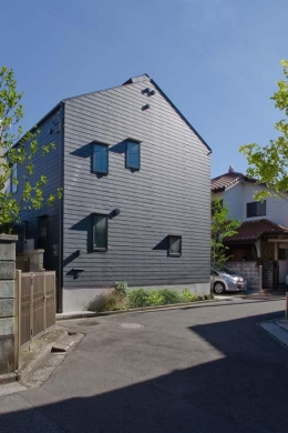 船橋の住宅 (道路側外観)