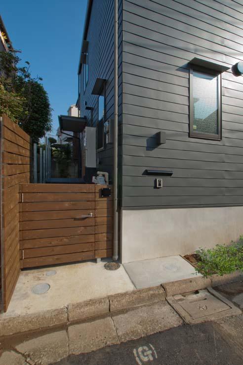 船橋の住宅の写真 玄関アプローチ