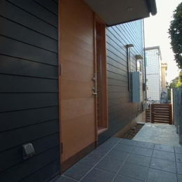 船橋の住宅 (玄関)
