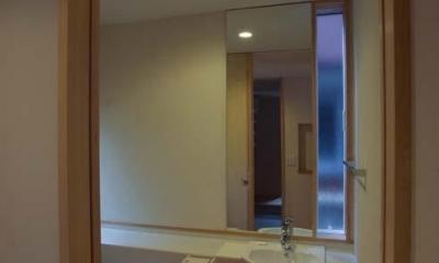 船橋の住宅 (小さな手洗いスペース)