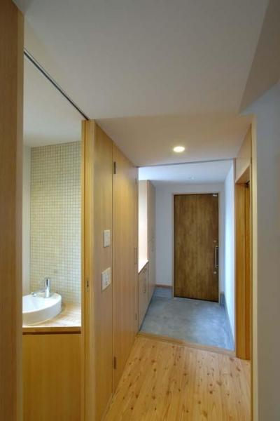 立川の住宅 (玄関引戸を閉めた状態)