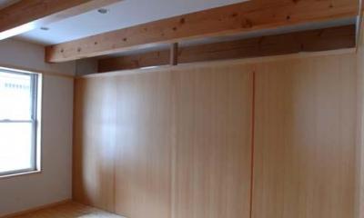寝室-建具を引き出した状態|立川の住宅