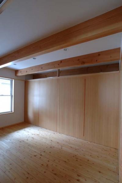 寝室-建具を引き出した状態 (立川の住宅)