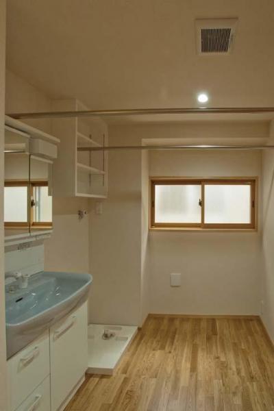 洗面室 (江東の住宅)