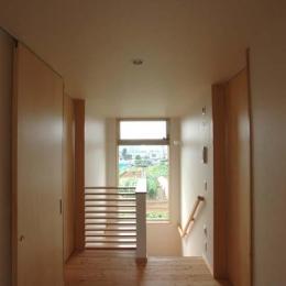 習志野の住宅 (陽が差し込む廊下)