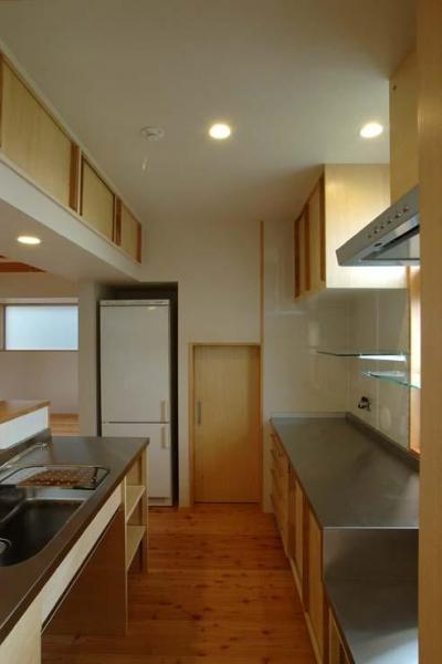 使い方に合わせた造作キッチン (習志野の住宅)