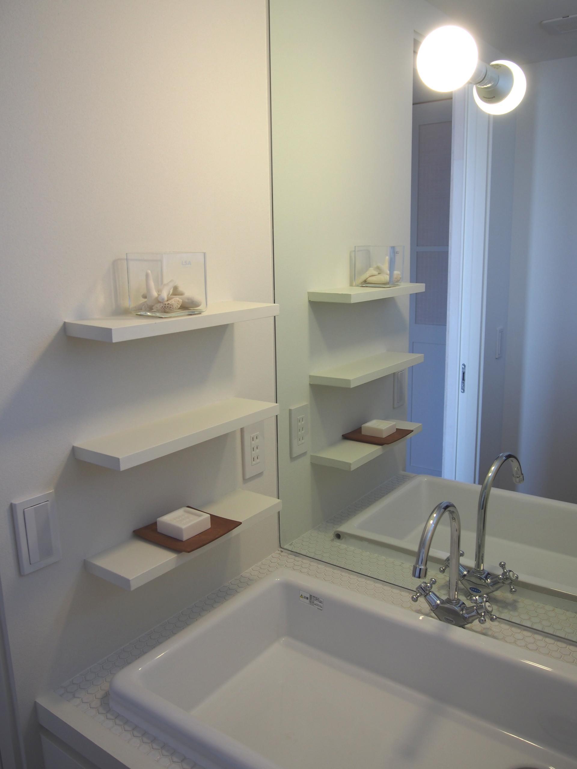 桜作の家の部屋 白い洗面所