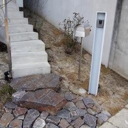 石畳とアプローチ階段