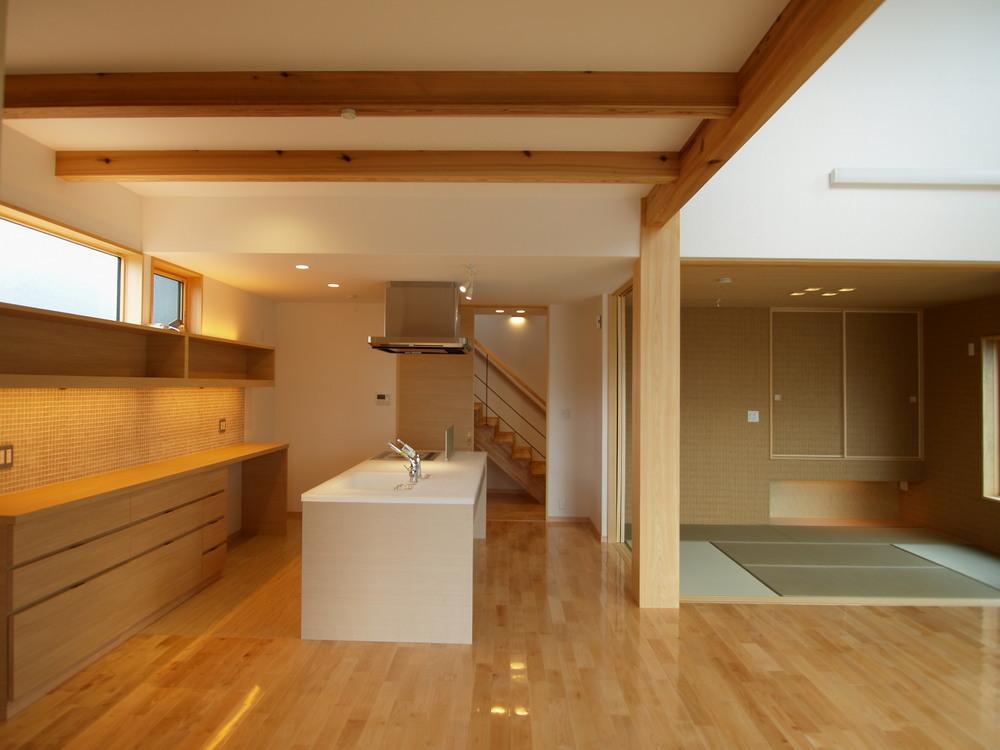 亀崎の家の写真 白い対面キッチン