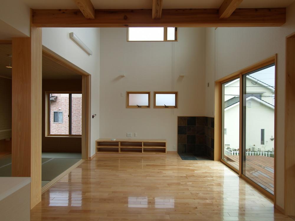 亀崎の家の部屋 吹き抜けリビング