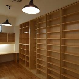 家族で使える図書室 (Shell-house)