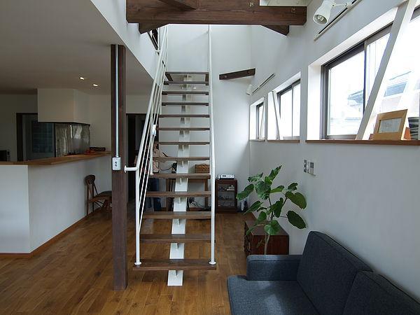 緑ヶ丘の家の部屋 オープン型階段