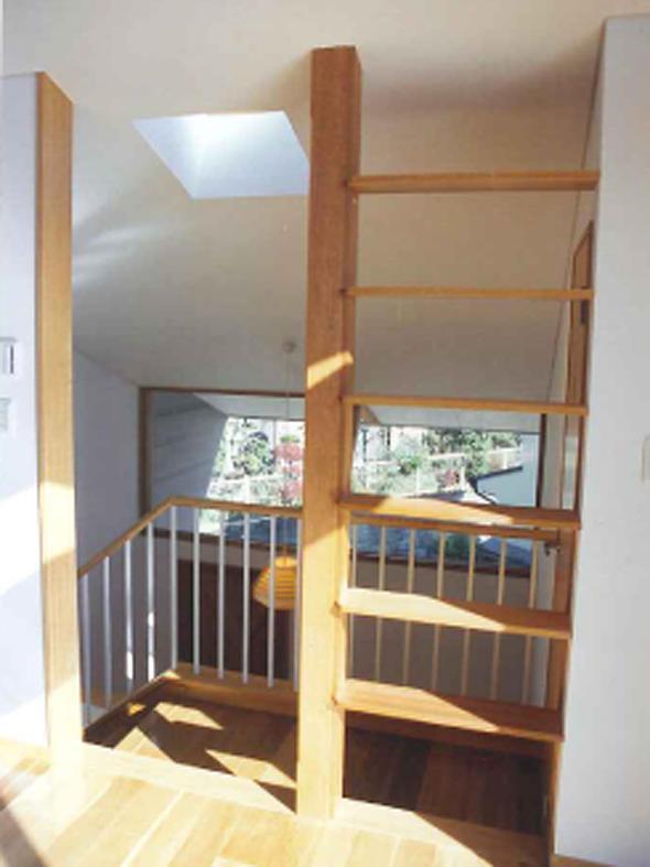 横浜青葉台の家の部屋 玄関ホール見下ろし