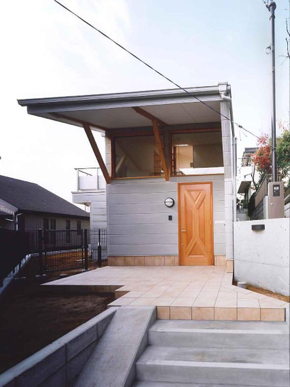 横浜青葉台の家の部屋 アプローチ