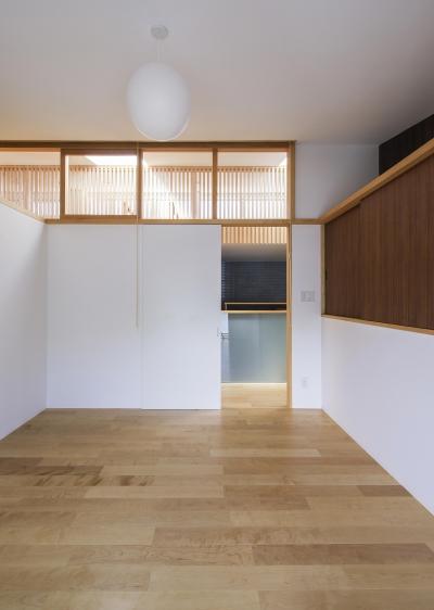 高床の家 (寝室)