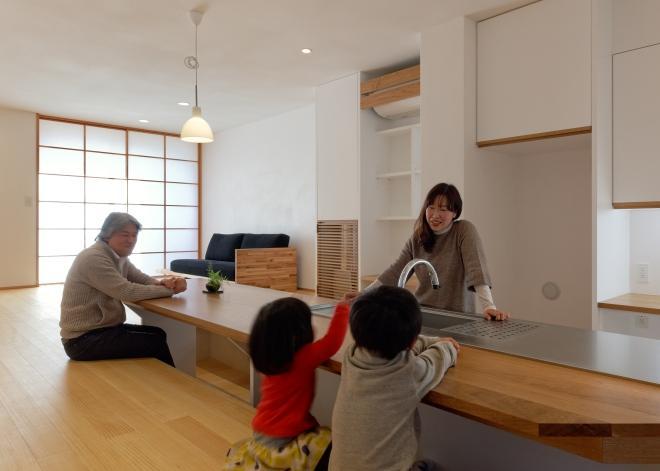 稲口町の家の部屋 会話の出来るキッチン