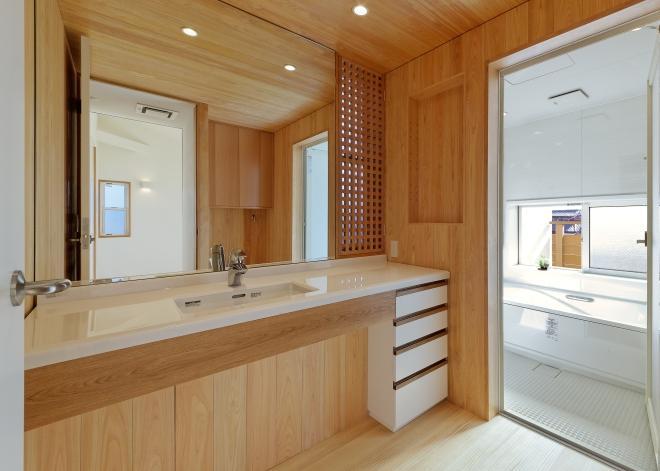 稲口町の家の部屋 広々とした洗面室