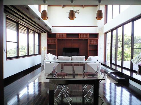 開放的なリビング (okinawa-kouri 02 沖縄古宇利島の完全貸切リゾートホテル「ONE SUITE」)
