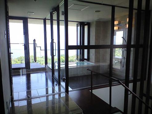 okinawa-kouri 02 沖縄古宇利島の完全貸切リゾートホテル「ONE SUITE」の部屋 リゾート=非日常空間