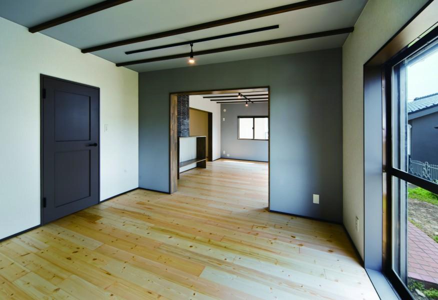 古きを愉しむRC、戸建。の部屋 若草色でアクセントされたリビング
