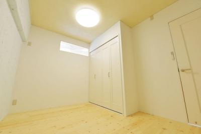 明るい洋室2 (木漏れ日のある暮らし。)